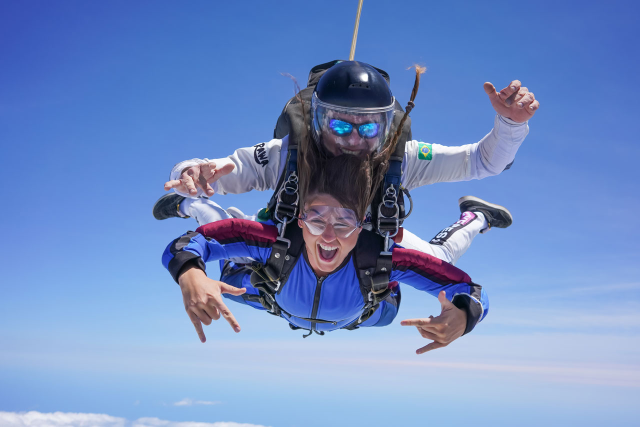 skydiving position: the arch