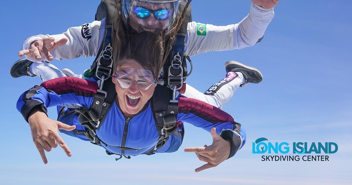 Does skydiving feels like falling