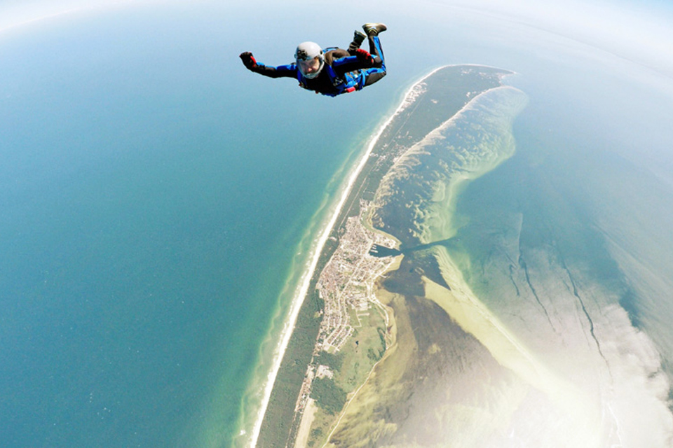 The Skydiving Arch